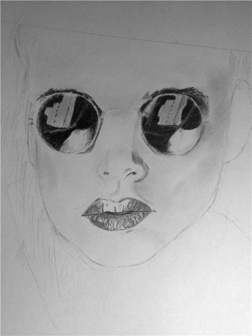 Как нарисовать красивую девушку с очками